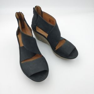 Clarks Artisan leather sandals size 7